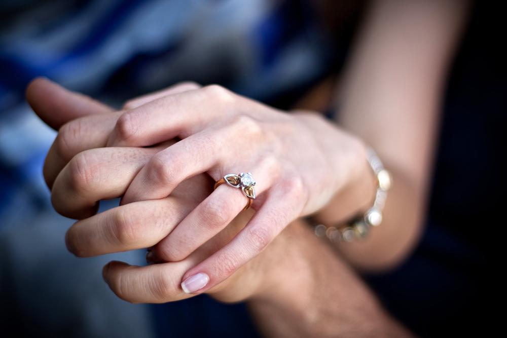 Który Pierścionek Zaręczynowy Z Brylantem Wybrać Dla Niej Blog O