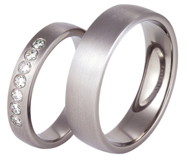 Titanium wedding ring with the cubic zirconias SWT-16/4-k