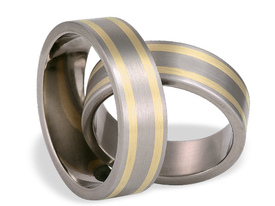 Titanium wedding ring with yellow gold SWTG-31/7-m