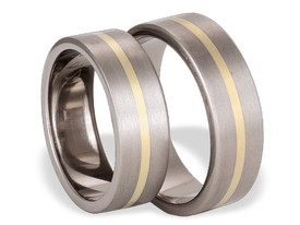 Titanium wedding ring with yellow gold SWTG-42/7-m