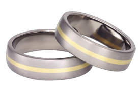 Titanium wedding ring with yellow gold SWTG-44/6-m