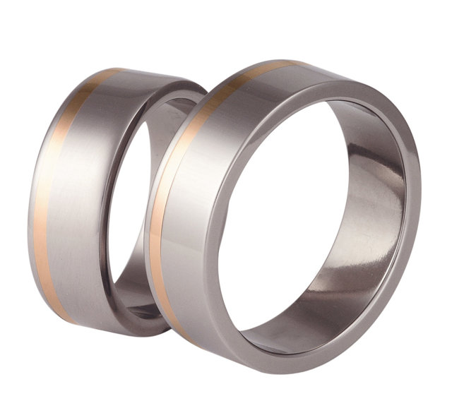 Titanium wedding ring with red gold SWTRG-32/7-m